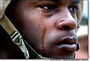 http://desdemilibertad.files.wordpress.com/2009/06/soldado2bcon2blc3a1grimas.jpg?w=300